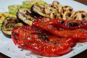 eatinsplit_fruit_grilled_vegetables