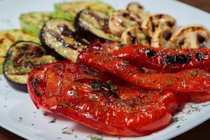 eatinsplit_fruit_grilled_vegetables